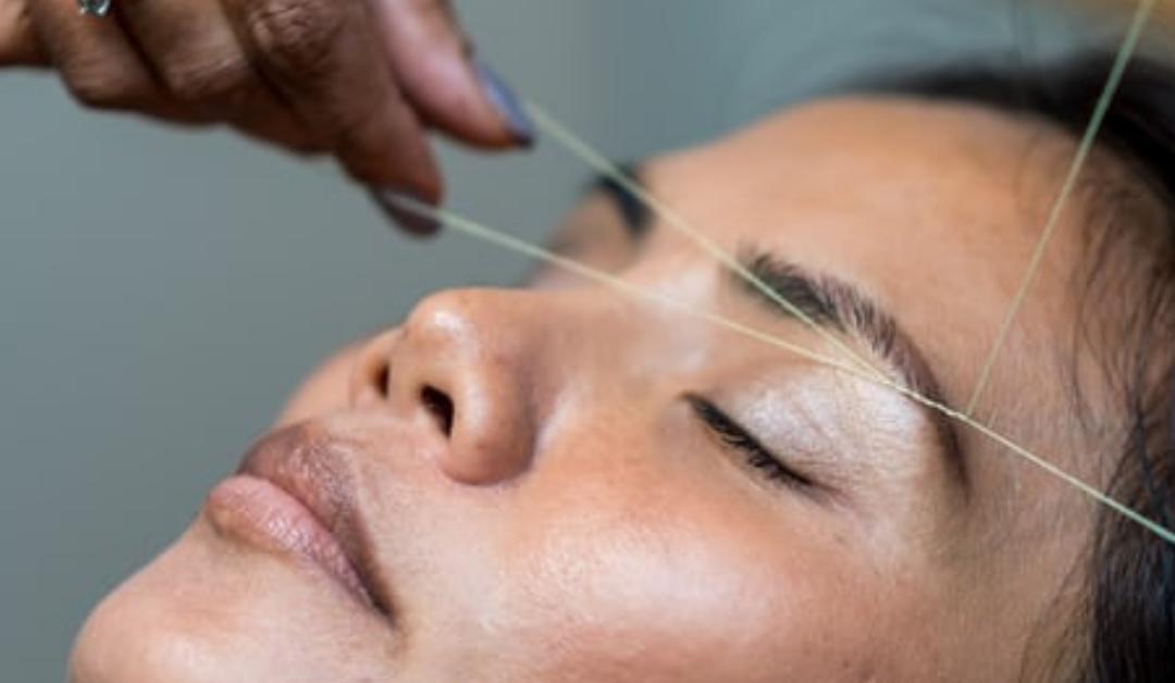 Technique d'épilation du visage au fil